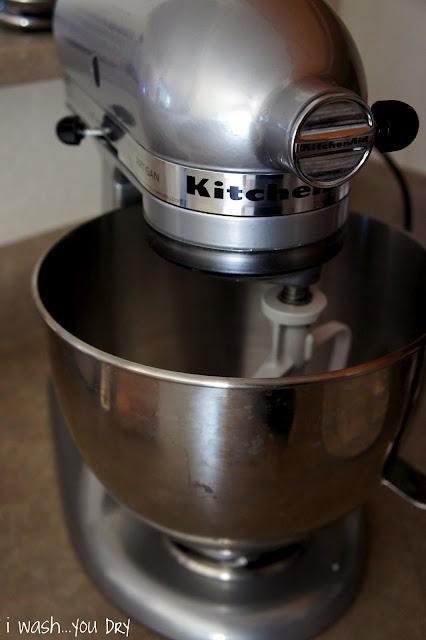 A clean KitchenAid mixer