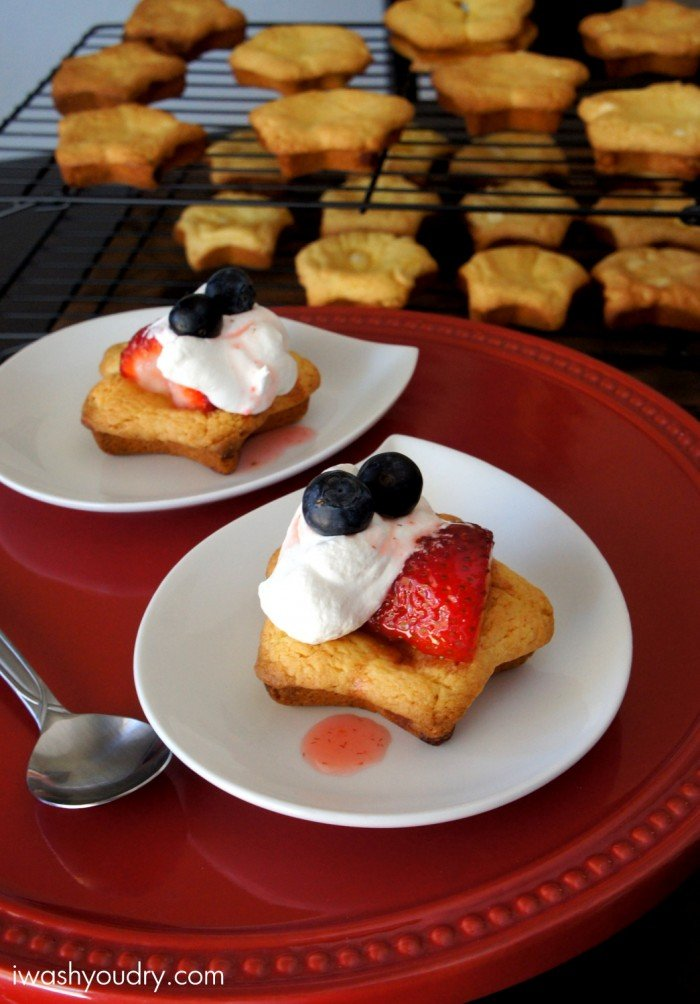A display of two Strawberry Shortcake Cookies each on their own plate