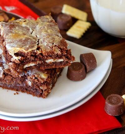 Gooey Rolo Cake Bars