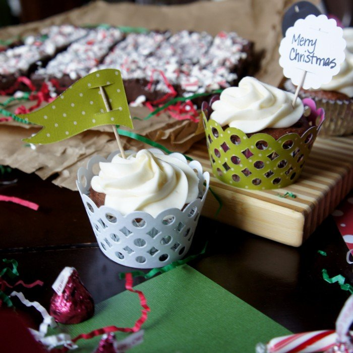 Cupcakes in custom designed cupcake wrappers