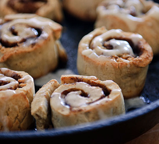 A close up of a pan of healthy cinnamon rolls