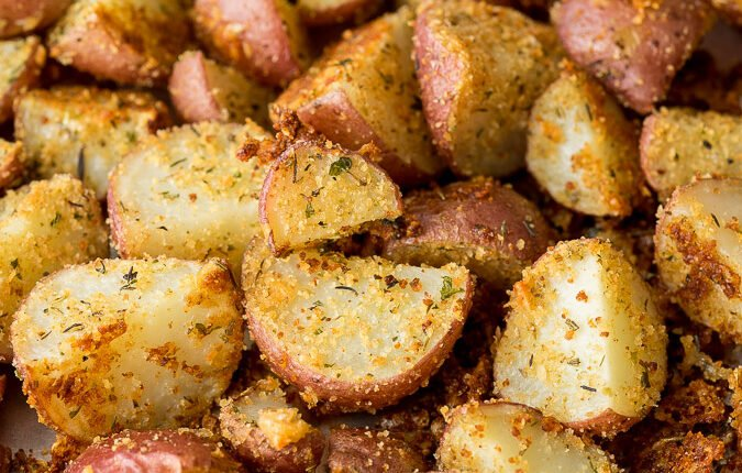 My whole family loves these super simple Parmesan Roasted Potatoes!