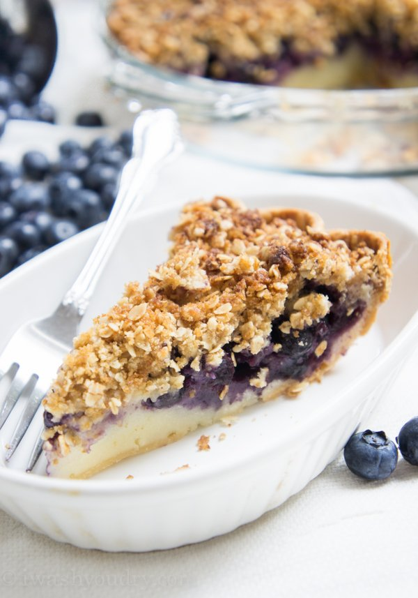 Blueberry Crumble Cream Pie! A combination of a blueberry crumble ...
