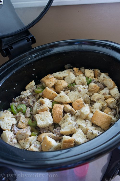 Crock Pot Sausage Stuffing