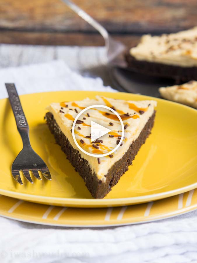 Awesome video of how to make this super easy Pumpkin Brownie Pizza!