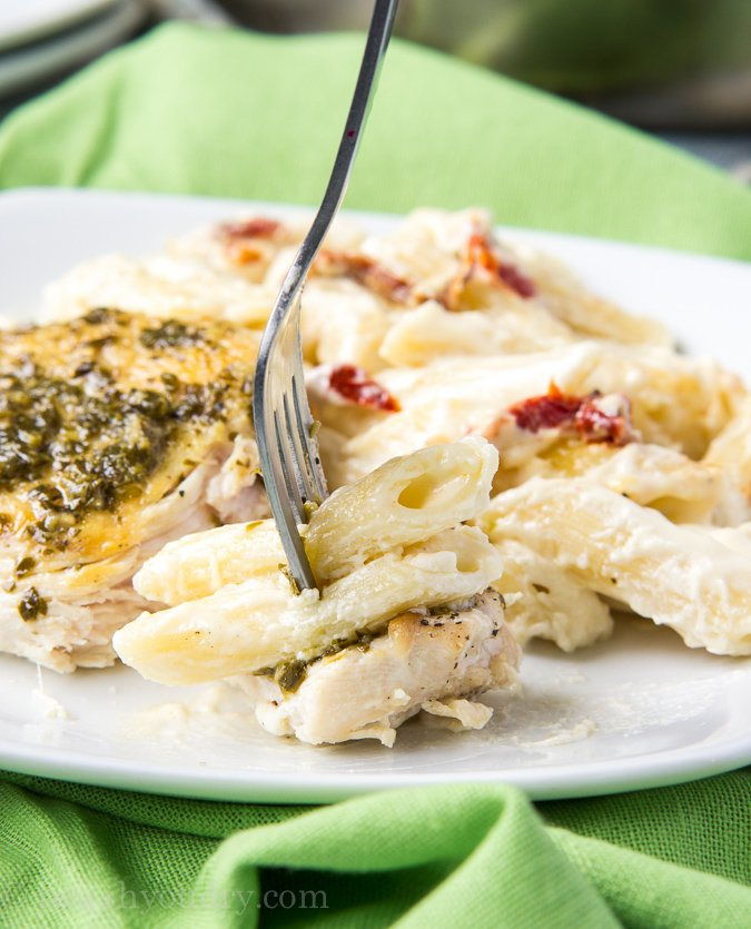 Basil Pesto Chicken with Alfredo Penne and Sun Dried Tomatoes! This is ...