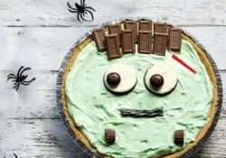 Pistachio Cream Frankenstein Pie! The perfect last-minute, quick and easy, Halloween treat!