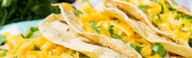 Saucy Shredded Chicken Tacos : Video :