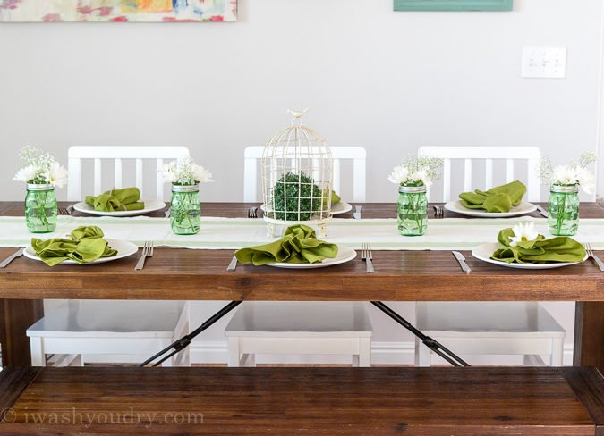 I LOVE this gorgeous farmhouse table!