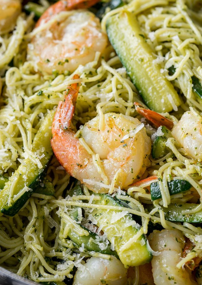 SO EASY! This Shrimp Pesto Pasta is my new favorite easy dinner recipe!