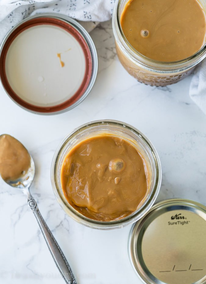 SUPER EASY Instant Pot Dulce de Leche made in mason jars which are perfect for gifting!