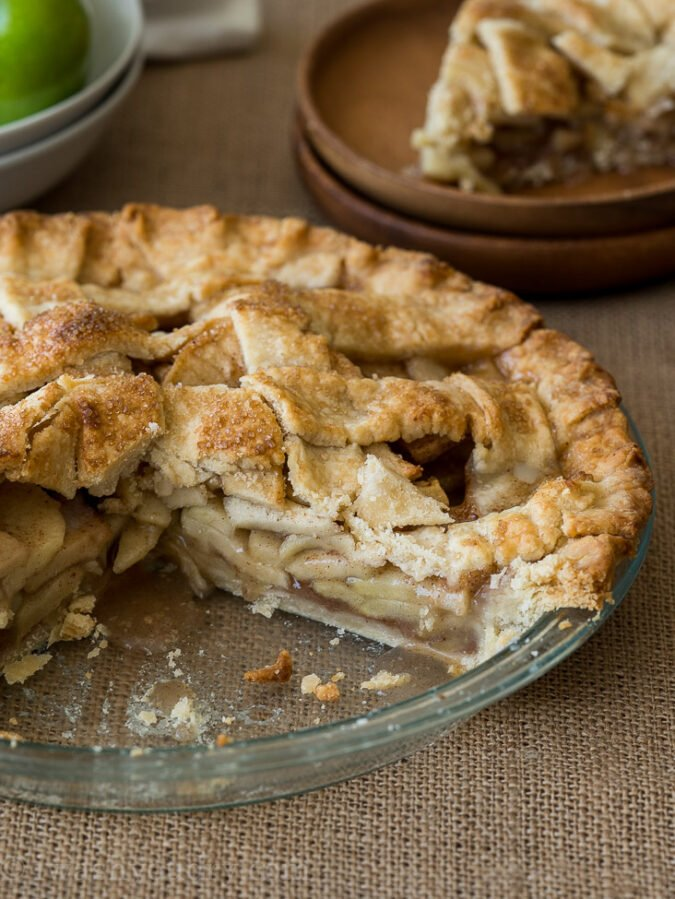 Perfectly sliceable homemade apple pie recipe!