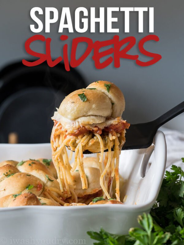 These super easy Spaghetti Garlic Knot Sliders only take a handful of ingredients found at @Walmart and come together in no time!
