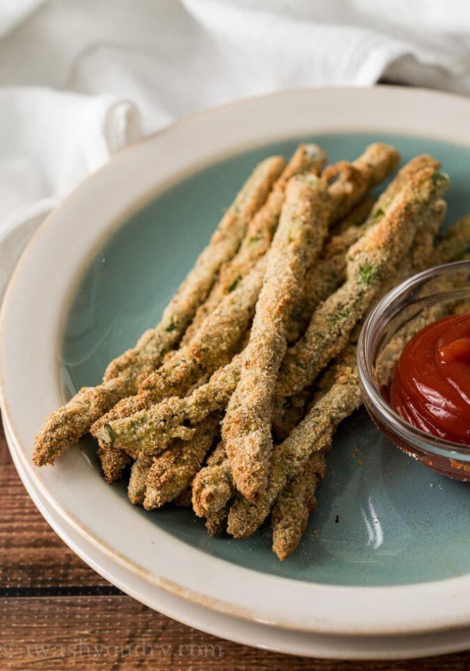 These crispy Air Fryer Asparagus Fries are seriously the BEST things ever! I can't stop at just one!