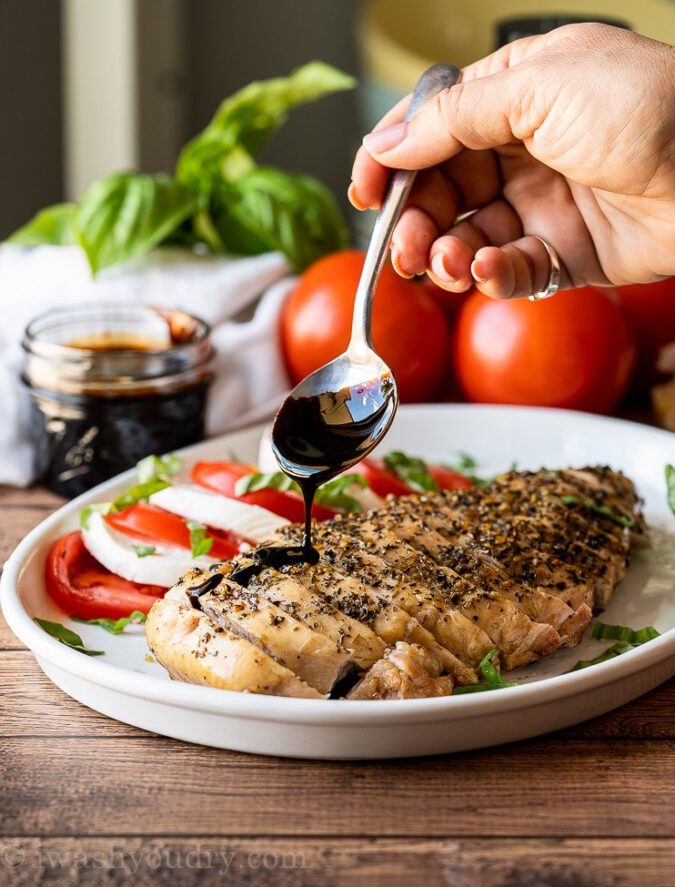 OMG! This super quick and easy Balsamic Grilled Chicken is the perfect light and fresh summer dinner!