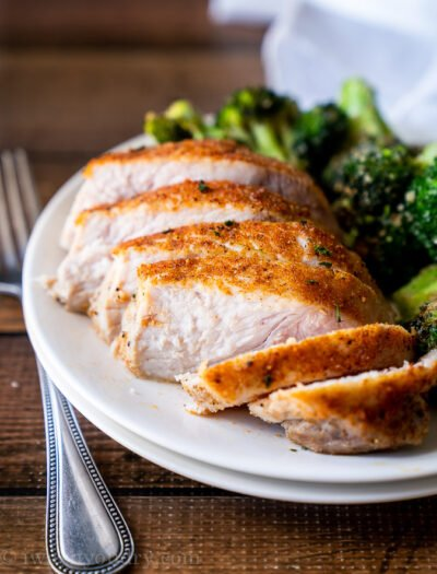 Gone are the days of tough, dried out pork chops. With this Juicy Oven Baked Pork Chops Recipe you can have perfectly seasoned, juicy and flavorful pork chops every time!