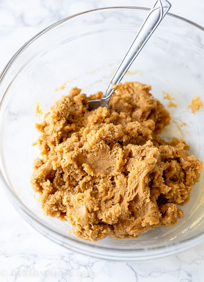 All you need are 5 simple ingredients for peanut butter cookies - peanut butter, sugar, eggs, vanilla and salt!