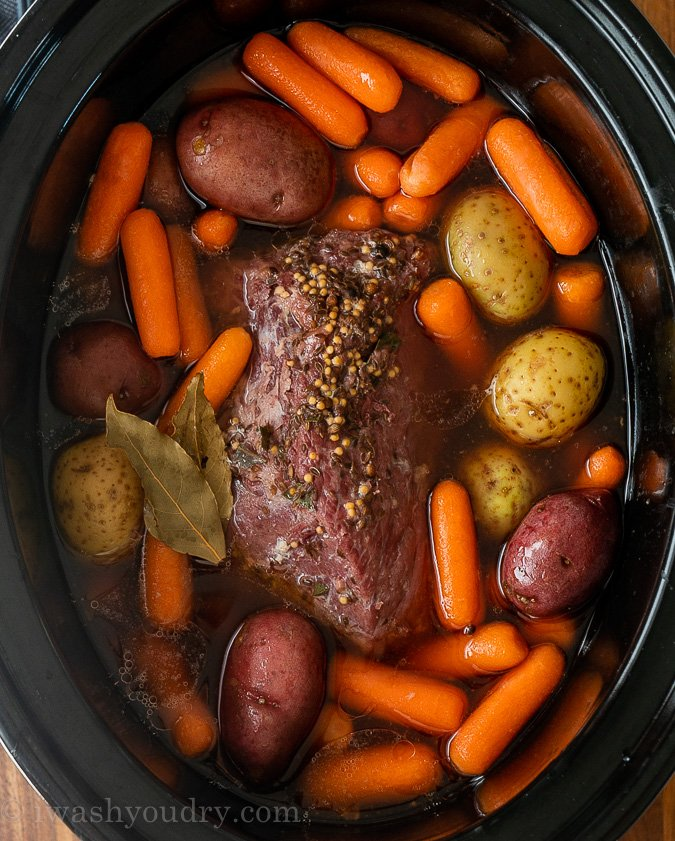 corned beef with potatoes and carrots