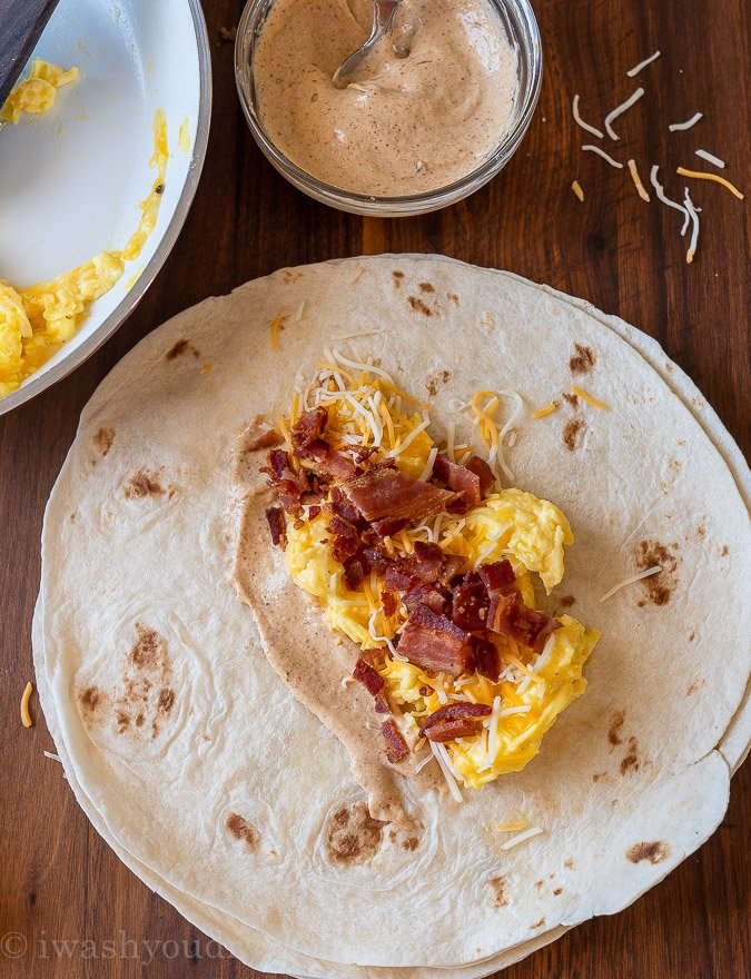 how to wrap a breakfast burrito